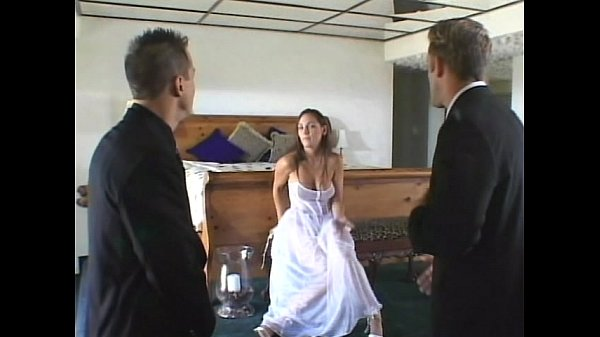 Bride Got Shared with Hotel Manager in Honeymoon