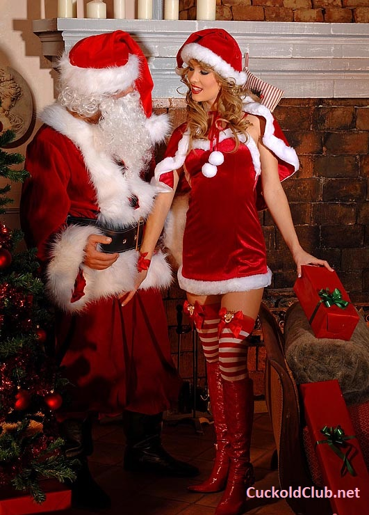Hotwife's Blowjob for Santa on New Year's Eve (2020)