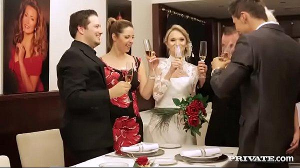 Waiter Fucks Bride in Wedding Dinner