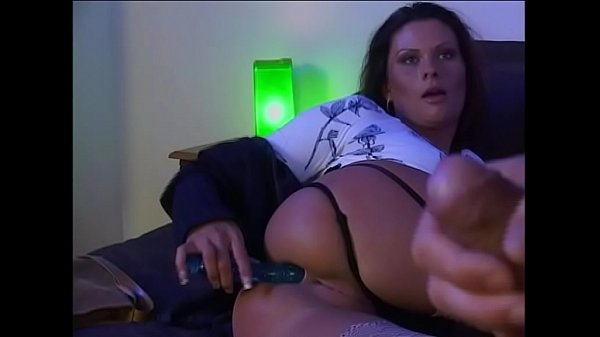 Wife Masturbating in Business Trip Got Fucked by Boss