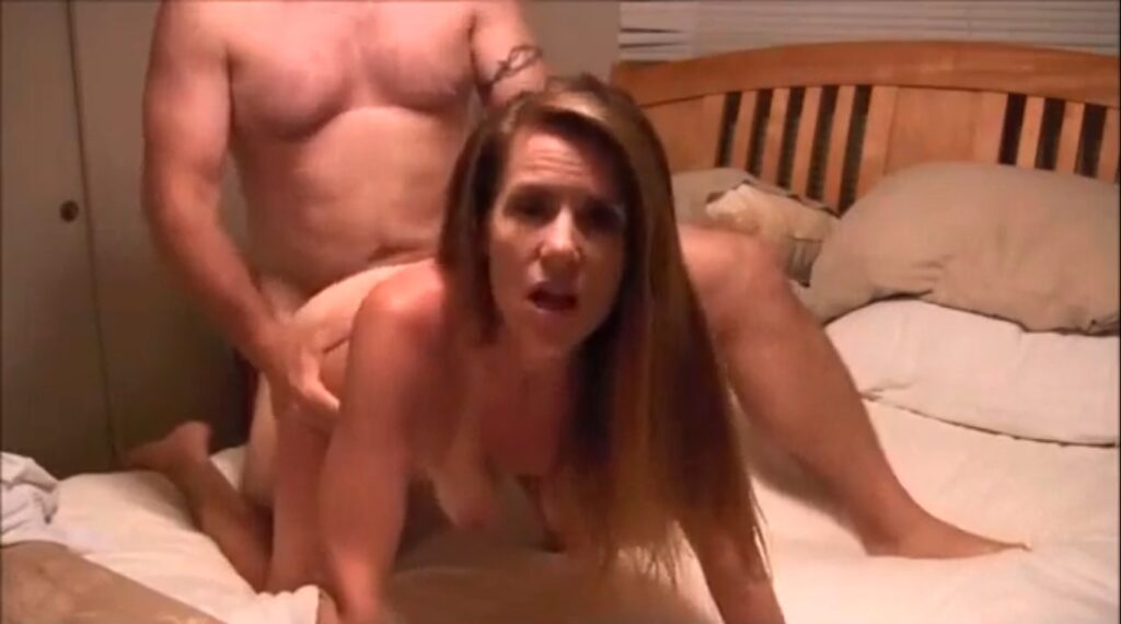 Bull Breeds Wife and Continuous to Fuck Her Pregnant